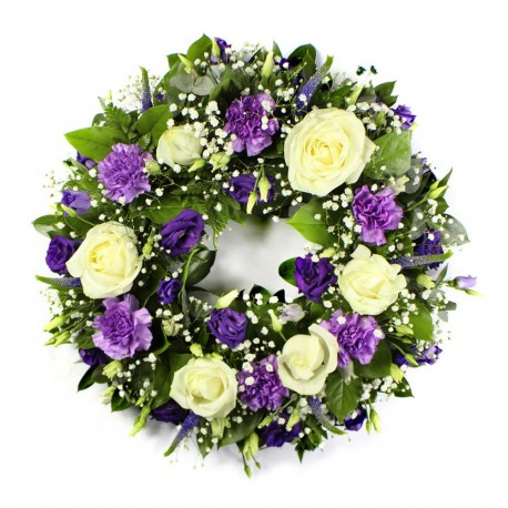Classic wreath in purple and white